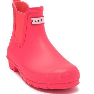 Short Hunter's Chelsea Hyper Pink Boot Size 7